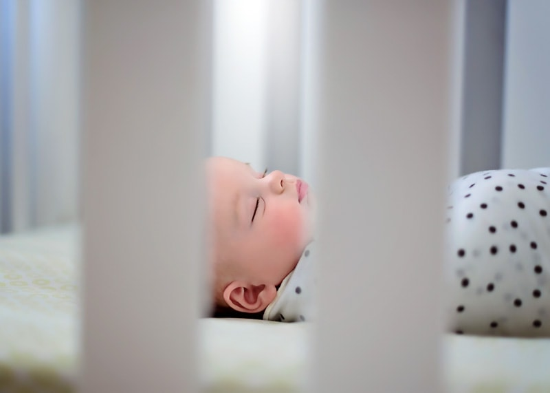 Lifestyle Photography, sleeping baby in crib