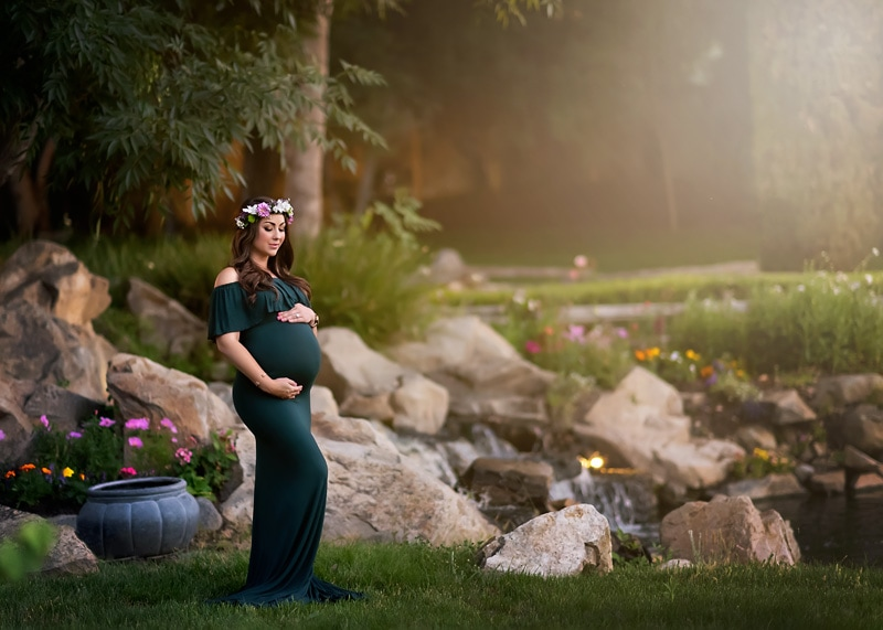 Maternity Photography - pregnant woman in green - Temecula California Maternity Photographer