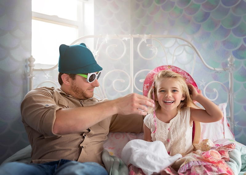 Lifestyle Photography, daddy and daughter playing dress up
