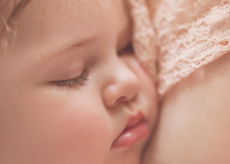Lifestyle Photography - child asleep on mama - Temecula California Lifestyle Photographer