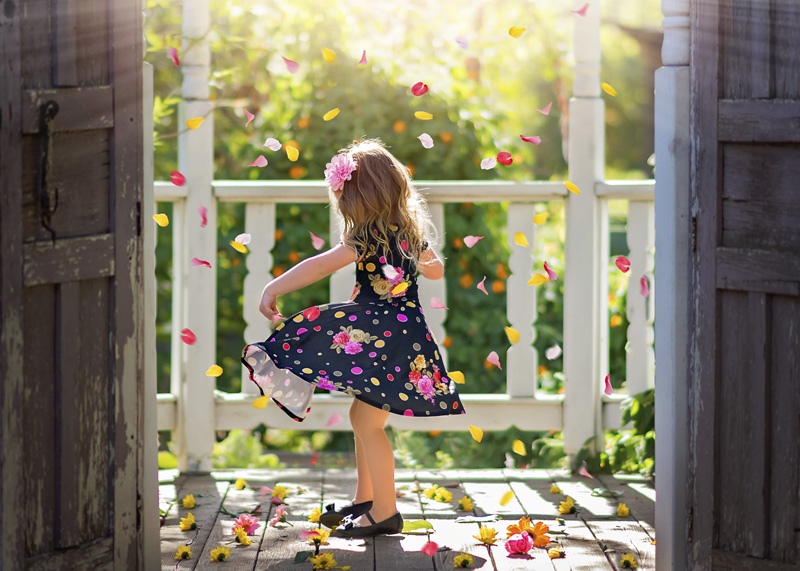 Children's photography - Little Girl Twirling